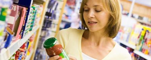Image-of-a-woman-in-a-grocery-store